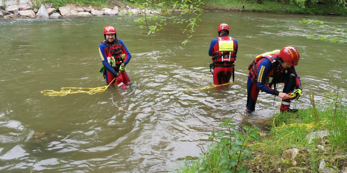 Beitragsbild zu: Wasserrettungsgruppe mit erster